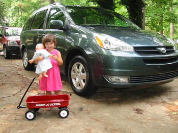 Anna and the new wheels: a wagaon and a minivan