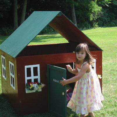Anna enters her new play house